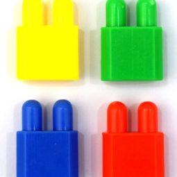 Конструктор 500 г елементи с различни цветове в плик